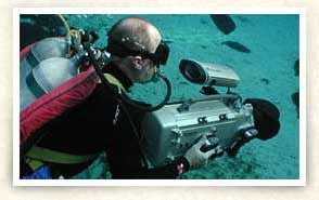 Photo of scuba diver with camera in Silver Glen
